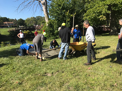 Kettering University students help create disc golf course for the Flint community